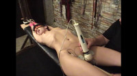 Elise Streached Electric Orgasm