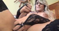 Hot Ana