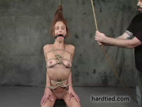 Orgasmic Julia Returns To  Because, She Says, She Wants To Fuck