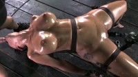 Syren De Mer On A Fucking Machine Bondage Domination (2013)