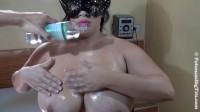 huge tit Nicole oils her enormous tits