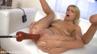 Karina Gold Big Holes