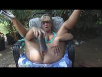Alysha hard outdoor fisting