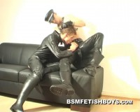 Str8 Cash-Boy in leather gets blowjob for XL-dick (Part A)