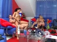 Foursome getting hot