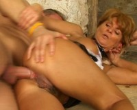Anal fuck for the cougar