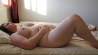 Laura the Foodie - BBW Touches and Teases Herself to Orgasm!