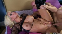 He Gives To A Slutty Blonde A Very Good Fucking