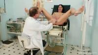 Magda (42 years woman gyno exam)