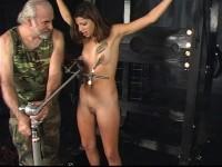 Tits Torture bd007-1