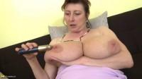 big tit nasty milf whore love masturbating to camera