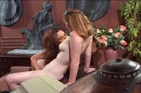[Coast to Coast] Older women and younger women vol2 Scene #1
