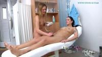 Laura & Leony 2
