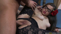 His Easy Way To Fuck A Stylish Babe