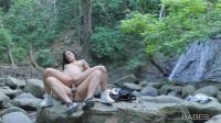 Babes Alexa Tomas – Wild Life 1080p