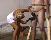 Mistress Gitta Private Session