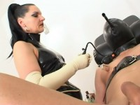 Herrin Silvia - Special Clinic Treatment