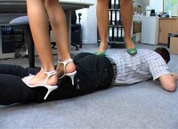 Schlagende Sexy Girls Part 573