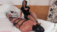 Mistress Ezada Sinn-Footjob gone awry