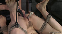 Elise Graves Puts Penny Pax Through Intense Foot Torment