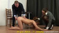Crazy Games (Julia) Totally Undressed