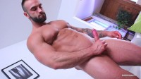Big Cock bodybuilder