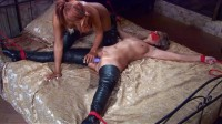 Bondage Games In Overknees 60