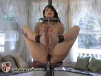 [NakedGord.com]Doorbell Fucking Machine(2010/Orgasm Forniphilia/size: 172.0 MB )