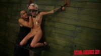 Halle Von Sexual