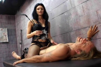 Leah WildeIs A Dominatrix, scene 1