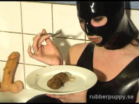Girl in a rubber mask in bathroom play dirty dildo,scat and eat shit and all filmed on extreme video.
