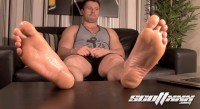 enjoy friend (Straight Gym Blokes Feet).