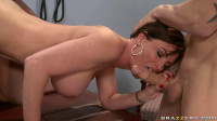 A Lady Is Ready To Sexual Treatment Of The Doctor