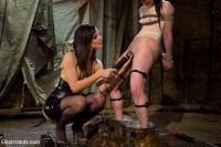 Kink: Electrosluts - AnnaBelle Lee, Felony, Bobbi Starr - AnnaBelle Lee is an Electroslut!