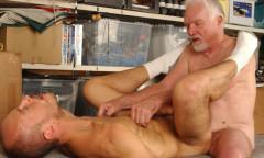 Bareback Garage Fuck gay porn