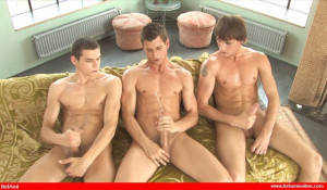 BelAmi - 3-Way Cross Jerk