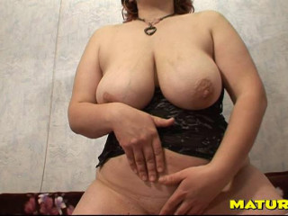awesome massive boob mature lisanne play with herself