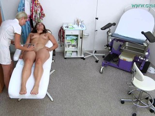 Ellie Springlare (24 years girl gyno exam)