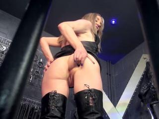 Encaged Butt Idolize