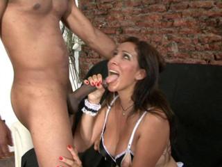 Latina Mummy Gitana Ginormous Shaft Anal