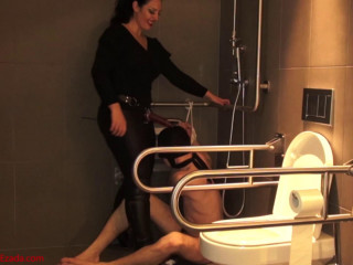 Dominatrix Ezada Sinn - Banged and destroyed with his head in the wc