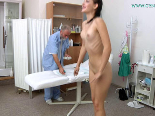 Annie Darling (18 years girl gyno exam)