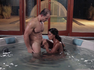 Scorching babe Isabella Chrystin poking in the Jacuzzi-1080p