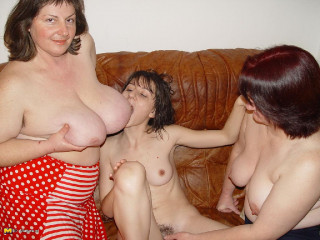 gigantic funbag jana roxanne and claire lesbo play