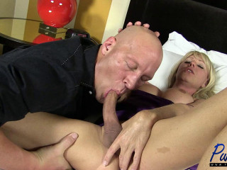 Mature platinum-blonde Joanna Jet wants your cock!