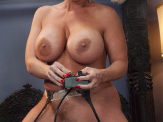 Blessed Holidays From The Crotches Of Babes! Sybian saddle Bonus
