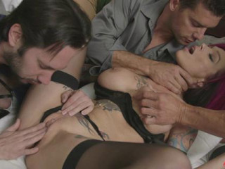 Anna Bell Peaks (Anna Bell's Vulva Gets Fisted And Dual Pumped)