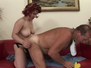 Slut fucks horny guy with ginormous strap-on