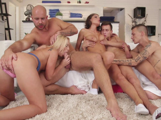 Blonde and Brunette Babes and 3 Dudes Have Gang-bang