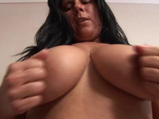 massive tit brunette mature slut loves demonstrating culo and jack